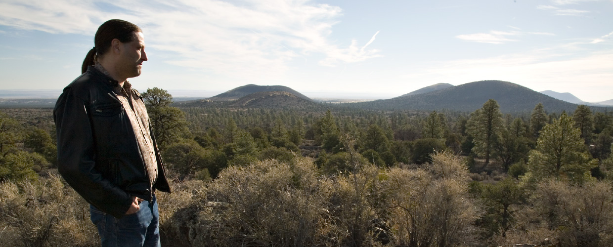 Mark_near_Sunset_Crater-header